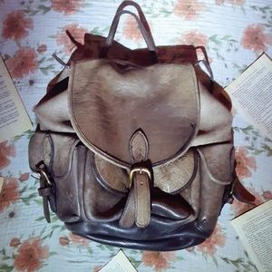 SOLD🎈🎈GENUINE LEATHER BACKPACK